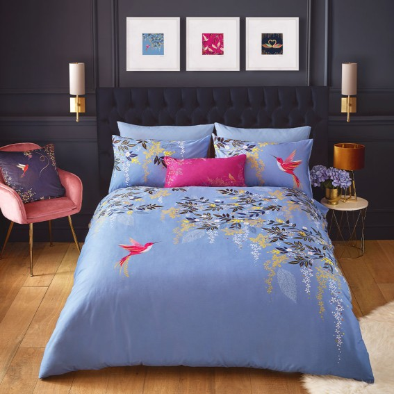 Light Blue Hummingbird Standard Pillowcase Pair