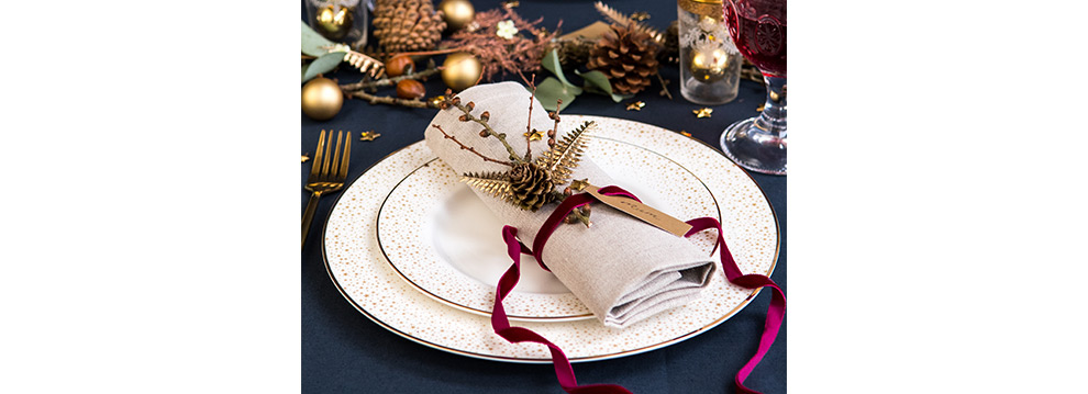 Winter Foliage Table Setting